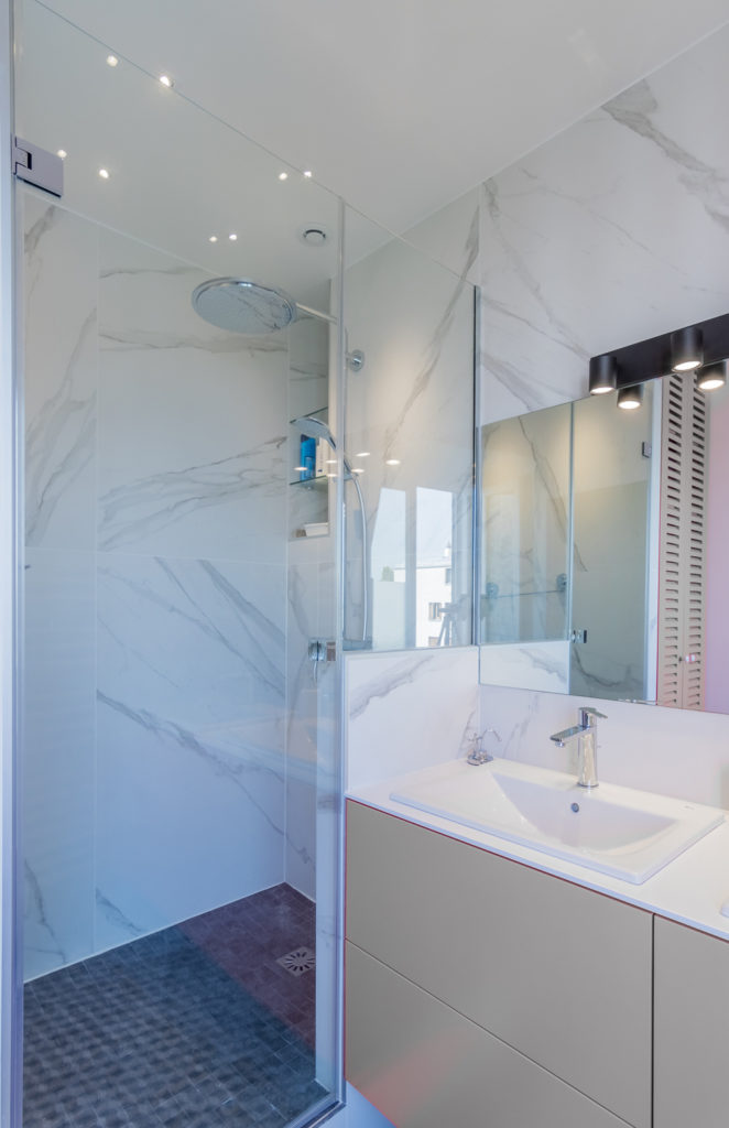 douche à l'italienne, marbre